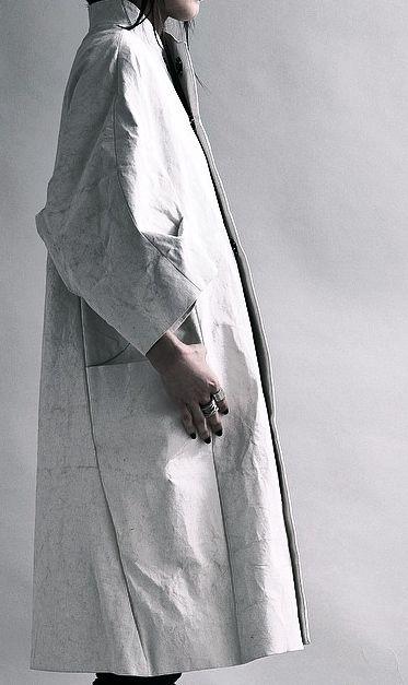 creased coat: white minimal design inspiration |Fashion + Photography|