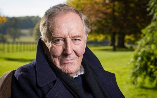 Robert Hardy: 'Daniel Craig isn't a good actor, but he's very good at jumping' - Telegraph