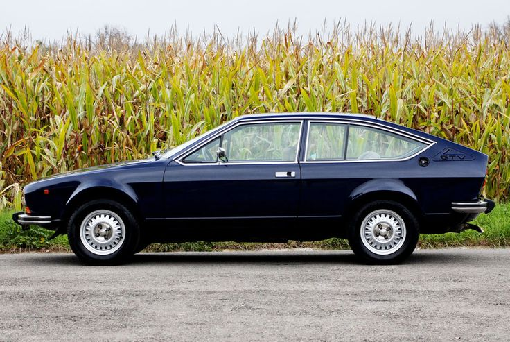 Alfa Romeo Alfetta GTV | In my opinion, one of the VERY few good-looking hatchbacks of the '70s-'80s era.