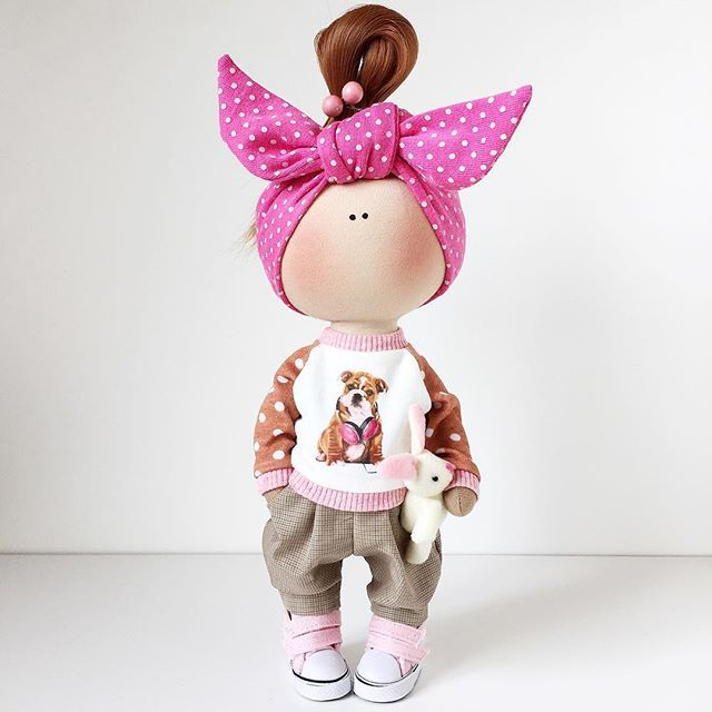 ПРОДАНА.Рост 26см. #тильда #кукла#авторскаякукла #текстильнаякукла #ручнаяработа #интерьернаякукла #свитшотдлякуклы #свитшотдлякукол