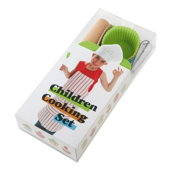 BABYCOOK 8-delige kinderkookset met 4 bakvormen. Inclusief een spatel, garde, houten lepel en deegroller. In een leuke transparante doos. #Bakken #Bakvorm