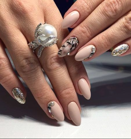 Love the nails! Love the rinf!