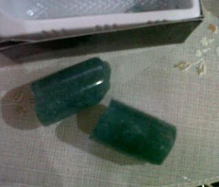 CRYSTAL X CENTRE: Crystal-X Jatuh Patah Pecah