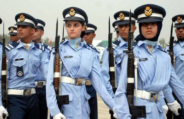 Pak Army Lady Pics: Pakistan Armed Forces