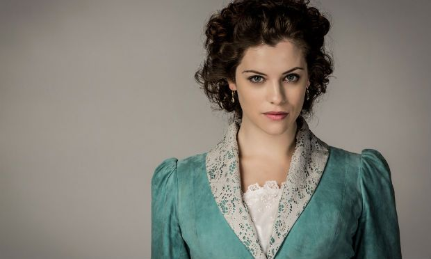 Jessica De Gouw in Dracula (2013). While most of the women's famous in here was completely unaccurate historically, this is actually pretty good.