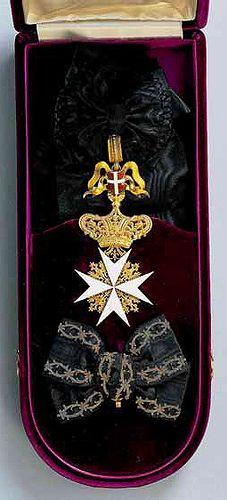 Grand Cross with Riband of a Dame Grand Cross of Honour and Devotion of the Grand Priory of Austria and of the Grand Priory of Bohemia (Großpriorat von Österreich und Großpriorat von Böhmen). #OrderofMalta #SMOM