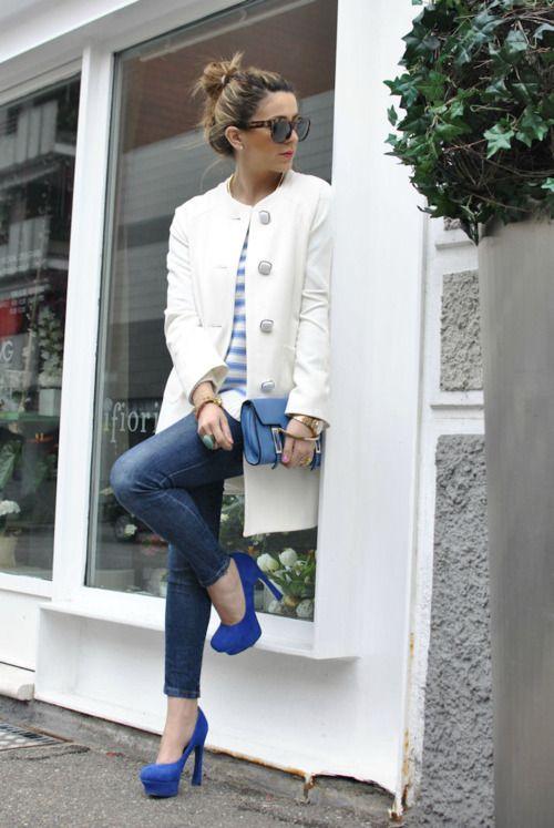 //: Italian Fashion, White Coats, Outfit, White Jackets, Blue Shoes, Blue Heels, Fashion Bloggers, Blue Pumps, Blue And White