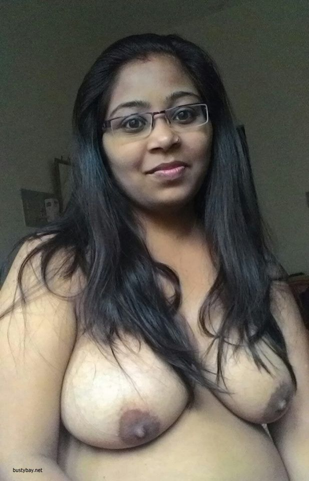 naked fat aunty