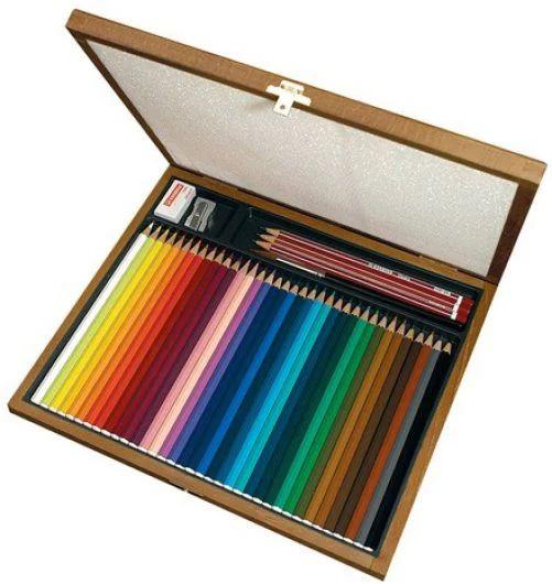 Stabilo Aquacolor Cassetta in legno con 36 matite ideate per studenti ed artisti che amano dipingere con le matite colorate, acquerellabili, di qualità,  spessore della mina 2,8 mm, ricca applicazione di colore. Colour Academy è rivenditore per Bari STABILO