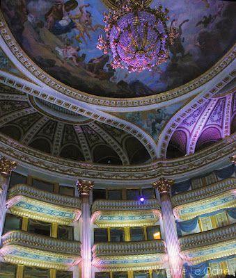 L'intérieur du grand théâtre à Bordeaux à visiter absolument lors de votre passage dans cette jolie ville. #Bordeaux #théâtre #france