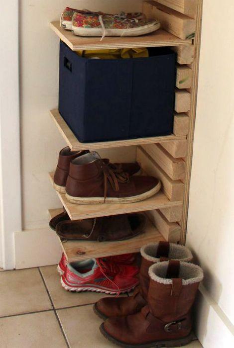 Компактная полка для обуви.