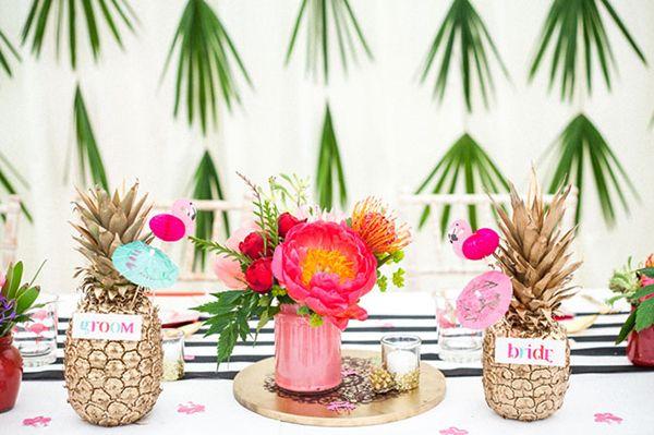 #bodatropical #decoración #piñas