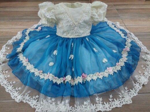 Vestido Alice no pais das maravilhas da loja Popô e Lelê.