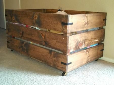 You can build this easy toy box on casters. Simply AWESOME! Free Plans at Ana-White.com. Built by ahouse-2-home