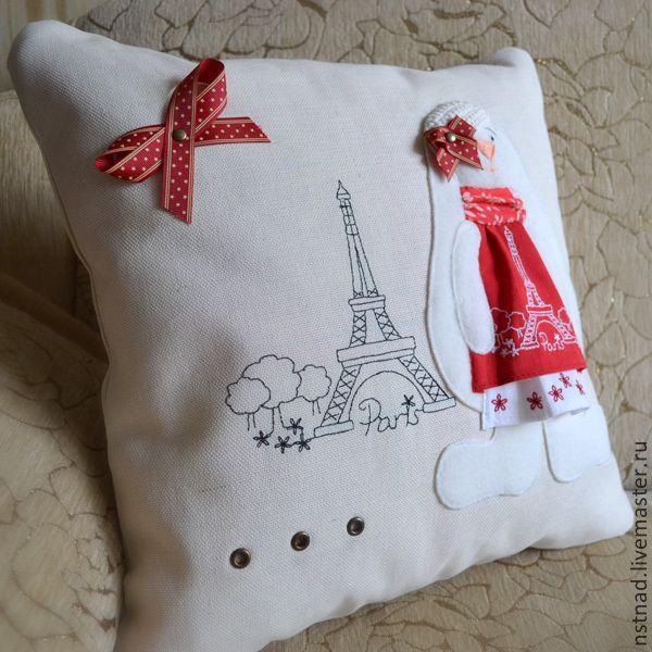 """Купить Наволочка на подушку """"Парижанка"""" - бежевый, наволочка на подушку, декоративная подушка, думочка, подушка в машину"""