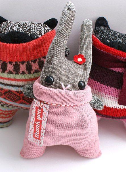 Игрушки из носков.
