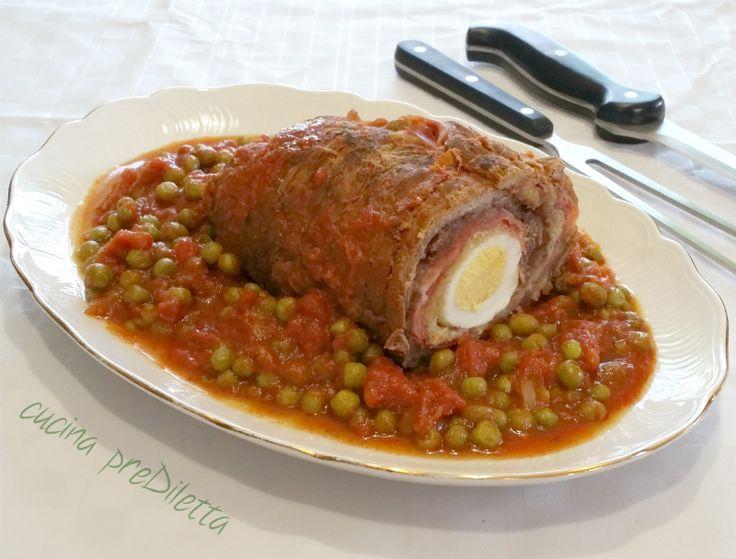 Il falsomagro è un piatto della tradizione siciliana in modo particolare del catanese. Preparate questa pietanza in anticipo, per fare in modo che abbiate il tempo di farla raffreddare.