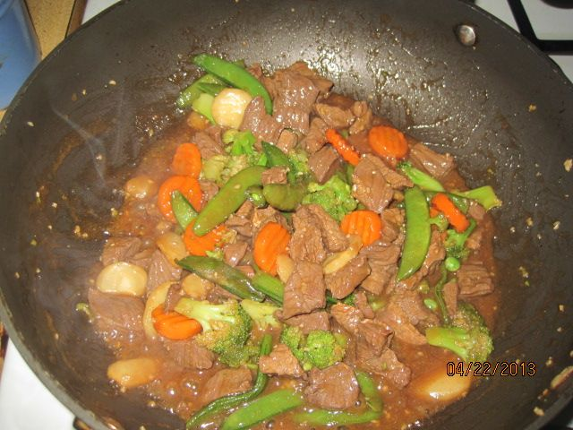 Monday's Simple Stir Fry | Recipes on www.onedadskitchen.com | Pinter ...