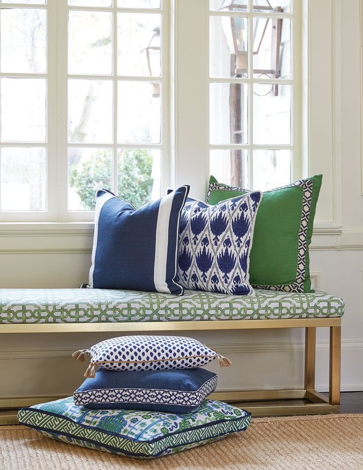 Lacefield Kelly and Navy Pillow Collection. Taylor Burke Home 'Kelly Bench' #southernmade #designingwomen