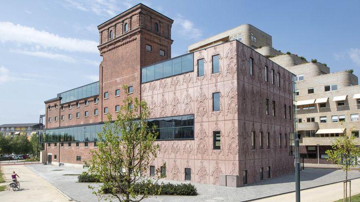 Het Balengebouw in Enschede krijgt een nieuwe bestemming als mediahuis. De Twentsche Courant Tubantia verhuist in de zomer van 2017 naar dit markante pand in Roombeek. Naast kranten en websites, wi…