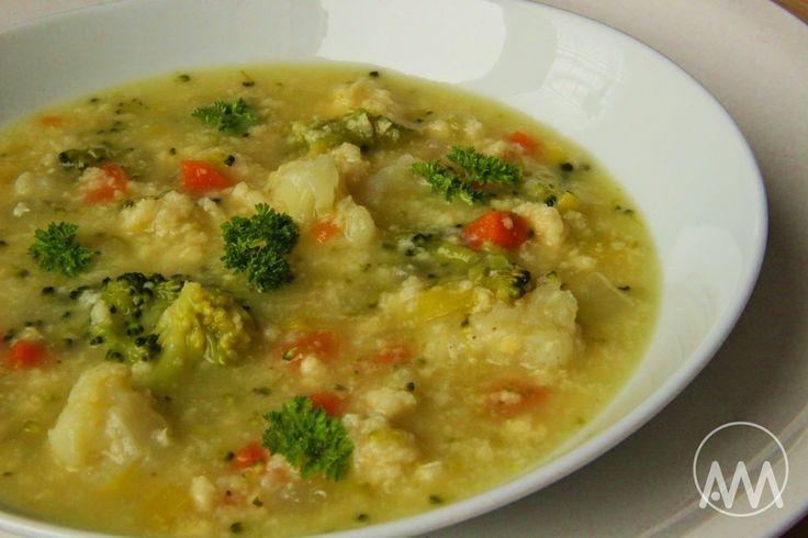 V kuchyni vždy otevřeno ...: Zeleninová polévka s vaječnou jíškou