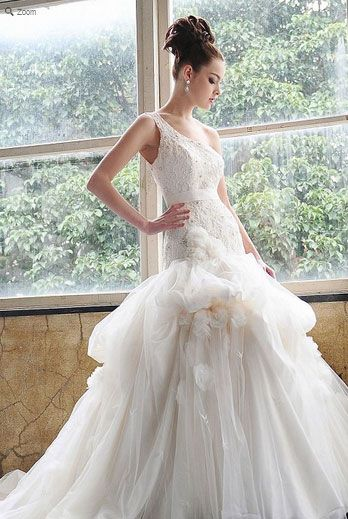 Saison Blanche Wedding Gown - Boutique Collection - Style #B3117