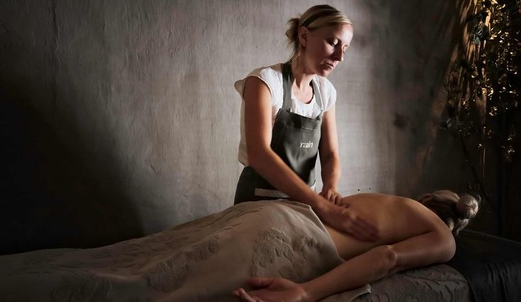 Rain Forest Day Spa employs qualified therapists with a passion for natural wellness and beauty from within.