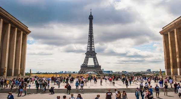 5 Best Day Trips from Paris https://www.divinemagazine.biz/5-best-day-trips-from-paris/ #Paris #FrenchLiving #Placestovisit #Daytrips #Travel