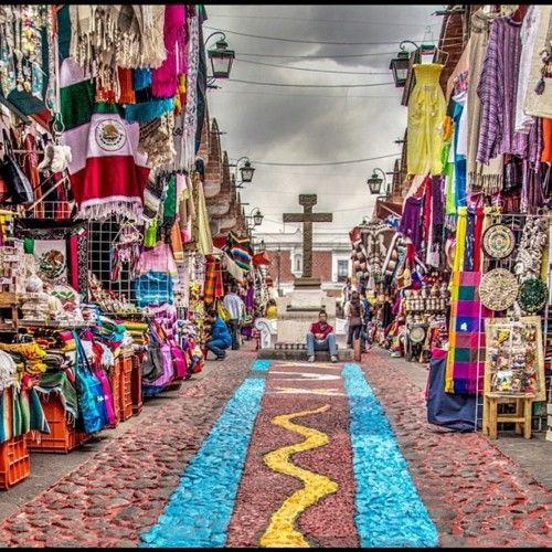 """Mercado de artesanias """"El Parian""""(there is so much color in Mexico...I love it) Puebla, Méx."""