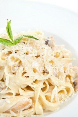 Tagliatelle au poulet et champignons facile - Un jour, une recette !