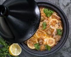 Tajine de poulet au lait de coco et au citron confit : http://www.cuisineaz.com/recettes/tajine-de-poulet-au-lait-de-coco-et-au-citron-confit-86744.aspx