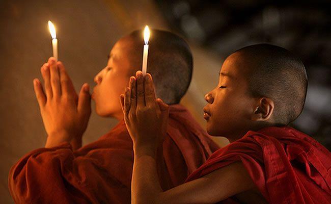 Muitos de nós costumamos nos referir ao budismo mais como uma filosofia de vida do que como uma religião. O budismo é uma das religiões mais antigas que existem, e ainda é praticada por cerca de 200 milhões de pessoas em todo o mundo. Qual é o segredo desta filosofia? A simplicidade de como são transmitidas mensagens cheias de sabedoria, que permitem realmente melhorar nossa qualidade de vida, é o que faz com que essa filosofia ou religião perdure ao longo do tempo e continue ganhando…