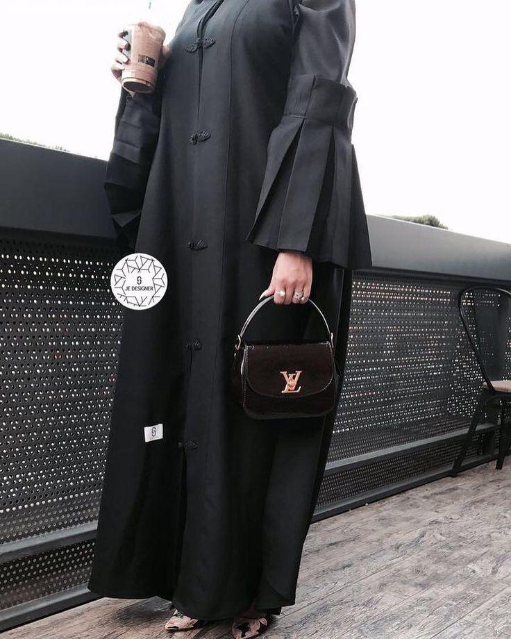 Repost @tiii600 with @instatoolsapp ・・・ مصممة سعودية تصاميها جميله لكل المناسبات .. مشاركة بالكويت بمعرض جست عبايه 8/24 ولمدة 3 ايام @je.designer1 . #subhanabayas #fashionblog #lifestyleblog #beautyblog #dubaiblogger #blogger #fashion #shoot #fashiondesigner #mydubai #dubaifashion #dubaidesigner #dresses #capes #uae #dubai #abudhabi #sharjah #ksa #kuwait #bahrain #oman #instafashion #dxb #abaya #abayas #abayablogger #абая