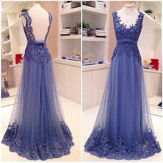 Vestido largo azul con encaje y falda transparente. Blue dress.