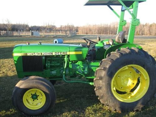 John Deere 2040 Tractor for sale by owner on Heavy Equipment Registry  http://www.heavyequipmentregistry.com/heavy-equipment/16292.htm