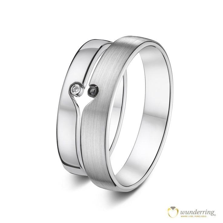 Eheringe mit ♥ aus Weißgold #Hochzeit #Herz #Trauringe #Diamanten