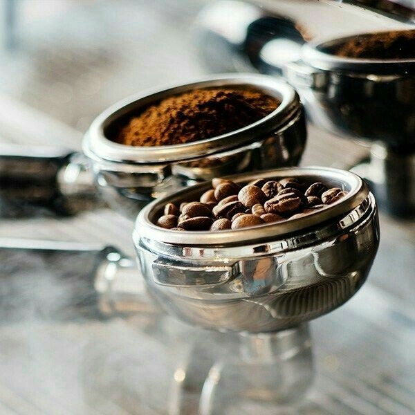 Pin By Renais Sanz On La Cafeteria Coffee Recipes Coffee Roasting Coffee Shop Photography