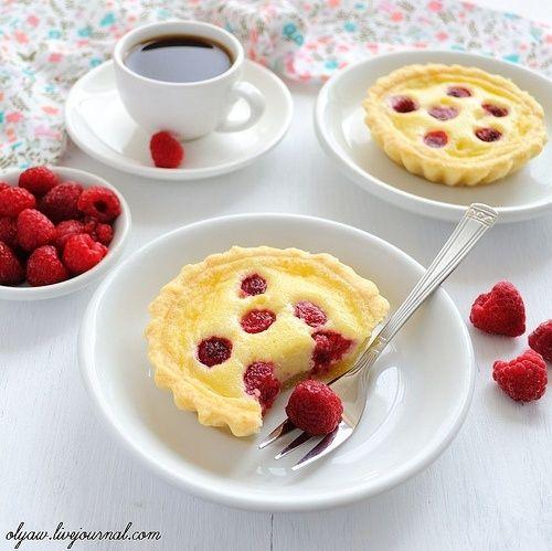 Тарталетки с белым шоколадом и малиной | Десерты, Идеи для ...