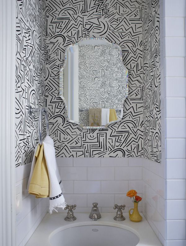 Alexandra Loew // #wallpaper #yellowSmall Bathroom Designs, Wallpapers Yellow, California Home, Alexandra Loewe, Interiors Design, Bathroom Ideas, White Subway Tiles, Wallpapers Bathroom, Powder Rooms