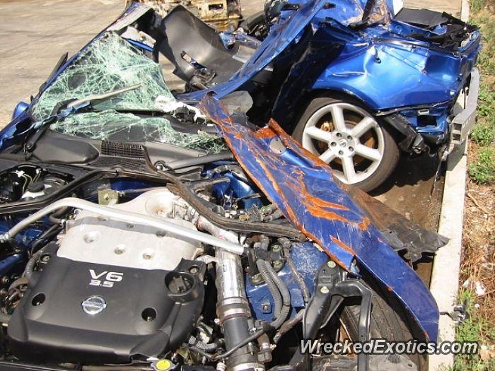 Nissan Z-Series 350Z crashed in Australia