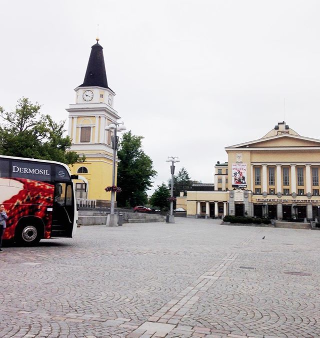 We're at keskustori in Tampere! Please come by 👋🏻🚌💨 #dermosilontour #tampere #keskustori