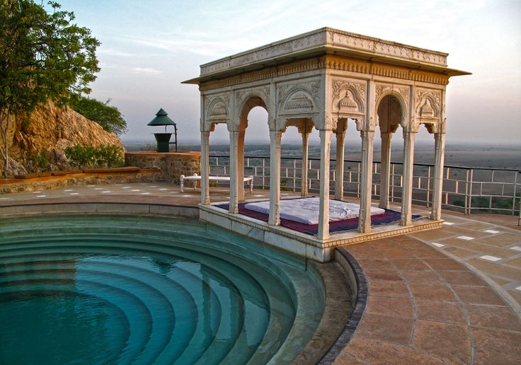 Poolside, Sardar Samand Heritage Hotel