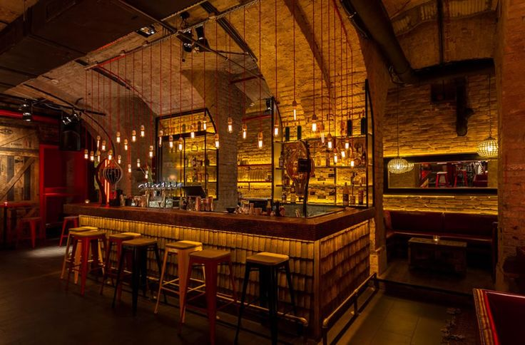 Drink in the heady mixture of 1930s China with a New York edge at Spiler Shanghai, Budapest... http://www.weheart.co.uk/2014/06/10/spiler-shanghai-budapest/