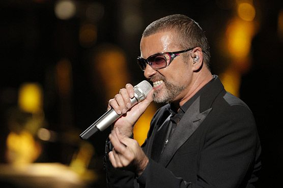 """George Michael beats Kylie Minogue in British album chart battle Michael s first new album in nearly 10 years outsold Minogue s """"Kiss Me Once"""" by 20,000 copies in a battle between two artists with a record of British chart success stretching back to the 1980s.  Last week s number one album, Elbow s """"The Take Off And Landing of Everything"""", drifted to fifth place, while Paloma Faith s """"A Perfect Contradiction"""" fell to fourth from second."""