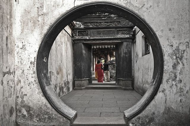 Yu garden, Shanghai, China By Manu Foissotte