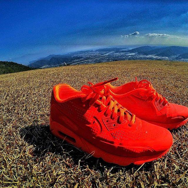 【kazuki.kimu】さんのInstagramをピンしています。 《cool  pic 😲🙌 本日#登山 に出掛けたmy friendから#写真 が届いた💥 #ゴープロのある生活  とはこんなにも美しいのかと📸 #地球は丸かった#🌎 #ゴープロ#gopro #goproのある生活  #自然#空#山#森#sky#Nike#ナイキ#✔#airmax90#エアマックス#エアマックス90#足元倶楽部#足元倶楽部ナイキ部門#picture》