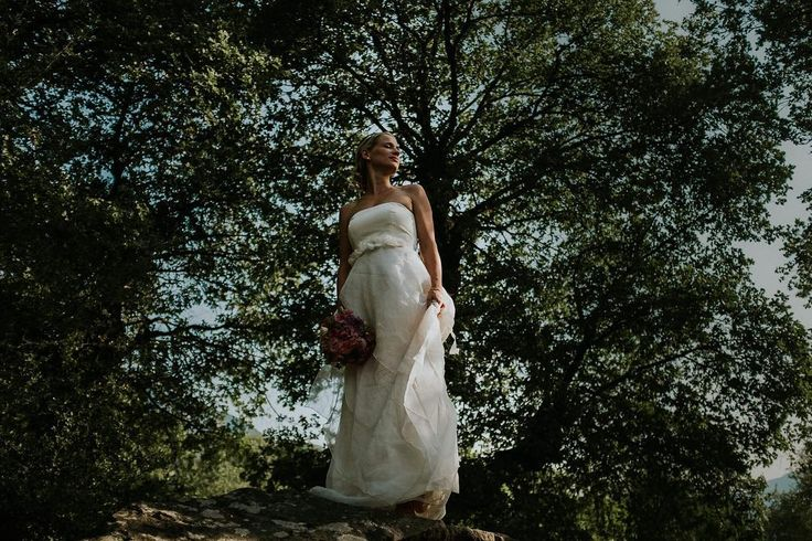 barefeet and kissed by the sun. . . . . #bridebook #groombook #shotfromtheheart #weddingdayemotion #loveisintheair #wedding #weddingday #weddingphotography #tribearchipelago #lxc #lorenxchris #southtyrol #südtirol #lookslikefilm #photobugcommunity #wayupnorth #wedaward #weddingphotographer #junebugweddings #weddinglovebug #destinationwedding #theweedinglegends #woodsandwolves #instawedding #socialbrideblog #ypwphoto #togetherweroam #yourockphotographers #huntingmoments #fujixseries