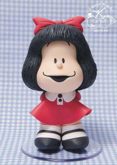 Mafalda em biscuit, feita à mão. Topo de bolo ou toy colecionável.    O valor refere-se à confecção da personagem como está nas fotos, mas como a peça é feita sob encomenda, você pode escolher outra pose da Mafalda...nesse caso, entre em contato para confirmar o valor, que poderá sofrer alteração...