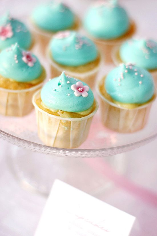 8 best images about Cupcake Birthday on Pinterest Birthday cakes