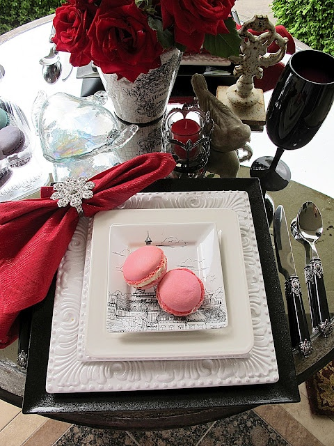 282 best valentine tablescapes images on pinterest for Decoration 3 chocolat